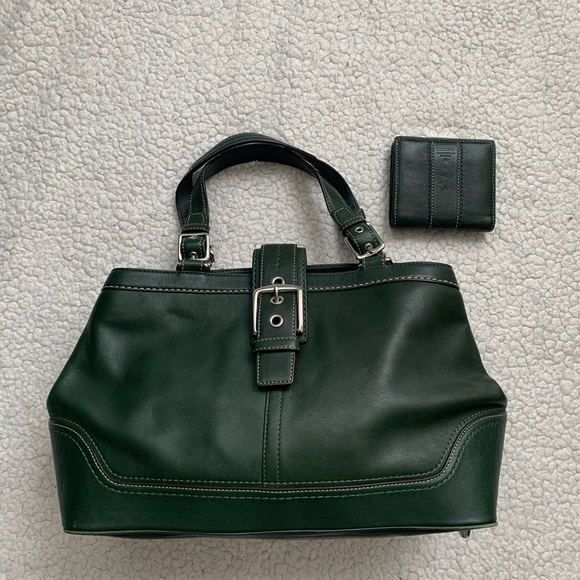 Coach Handbags - Coach Green Leather Purse With Matching Wallet